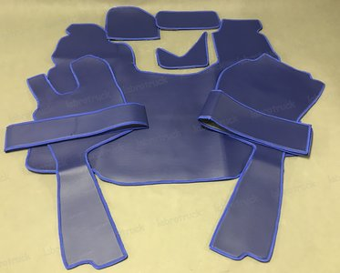 OP=OP 8 delig set SCANIA G Tunnelhoes + vloermatten + dashboardmatjes + stoelframecovers GLAD KUNSTLEER Kobaltblauw A7