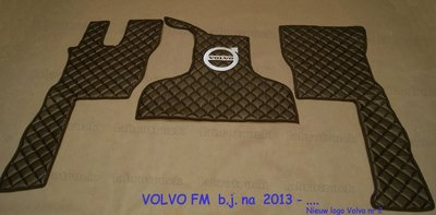 Vloermatten set VOLVO FM bj na 2013 DOORGESTIKT KUNSTLEER LABRO SERIE